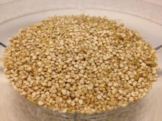 spiret og tørket quinoa